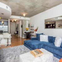 Spacious, Luxurious, Midtown Apartment