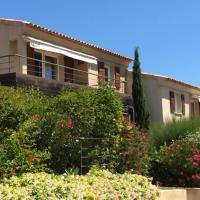 Jolie maison dans résidence calme avec piscine à 500 mètres à pied des superbes plages de Pinarello