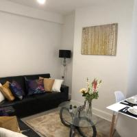 Lux Apartments 5 Bedroom House - Oakfield