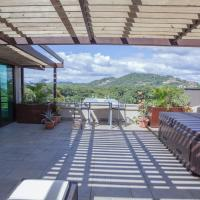 Walk Everywhere,Close to Everything, 3+Bedroom Penthouse,Sleeps 8+people