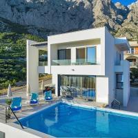 Villa Maslina with heated pool