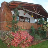 La casa del Lago - The lake house !, hotel in Puerto Iguazú