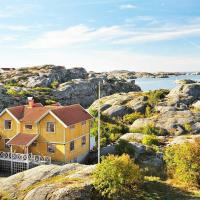 Five-Bedroom Holiday home in Skarhamn