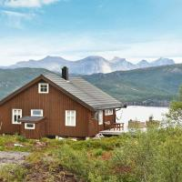 Three-Bedroom Holiday home in Sandhornøy