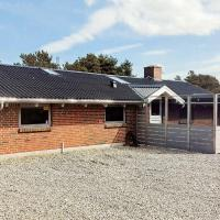 Three-Bedroom Holiday home in Henne 13