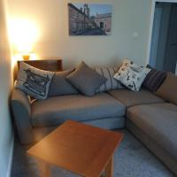 Modern comfortable 2 Bedroom flat 20 minutes from Glasgow