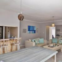 """Modern cottage with a """" beach feel"""" in the heart of Fairland/Northcliff"""