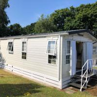'Marigold Den' at Family Friendly Holiday Park near THE NEW FOREST