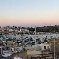 Penthouse in Marsaxlokk with panoramic views: 3 bedrooms, 2 baths