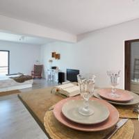Cosy Studio 150m from Beach in Historic Old Town, Cascais
