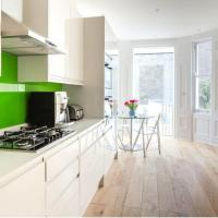 Marloes Road - Chic and modern townhouse with garden-Kensington!
