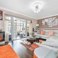 Modern Premium Luxury Two Bedroom Hideaway - Docklands Near City Airport, Excel