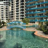 Apartment in Ocean Village - Rock view and pools