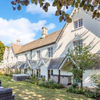 Large flexible Grade II Listed House in Highworth