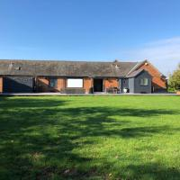 Large Barn near Silverstone & Milton Keynes - sleeps 8