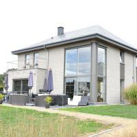 Luxurious Villa in Beauraing with Garden