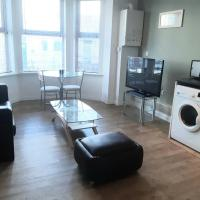 Rare Find 1 Bed Flat, WIFI, Parking Close to It All