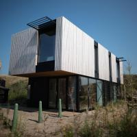 Modern, trendy Nature theme lodge, just 100 m. from the sea
