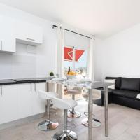 FULLY EQUIPPED LUXURY APARTMENT, hotel in Arona