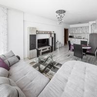 NEXT TO GONDOLA. Cosy & Elegant 2 Bedroom apartment in Neon Complex