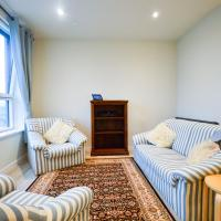 Bright 1 Bedroom Apartment In Central Location