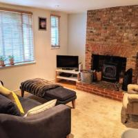 Contemporary 2 Bedroom Cosy Cottage