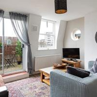 Homey 2-Bed apt w/Balcony, 15 min to Tower Bridge