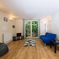 Homey, Bright 2Bed Apartment near Victoria Park