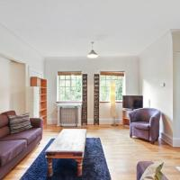 Spacious 1 Bed apt w/Elegant Bath in Streatham