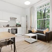 Refined, Light 1-Bed apt w/ Balcony in Brixton