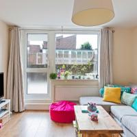 Stunning 2 Bed Apt w/Patio nr River Thames