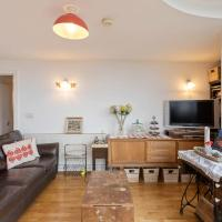 Amazing 2 Bed Apt w/Balcony nr Stoke Newington