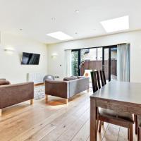 Stylish, Bright 3Bed, 2Bath Duplex in North London