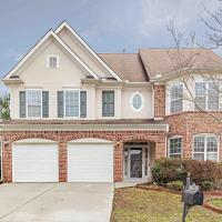 Large Atl Home (7bedrooms, 4 full baths, 12 beds)