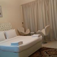 Express Holiday Homes - Burj Al Nujoum