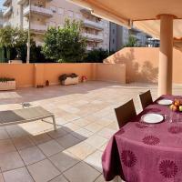 Apartamento Nuevo con Gran Terraza y Wifi en Canet, hotel in Canet de Berenguer