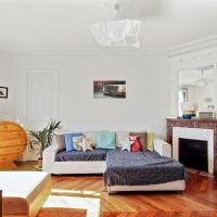 Charming 2BR Apt in Paris by GuestReady