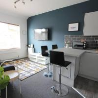 Newly refurbished apartment near Penny Lane, Beatles sites & L'pool city centre (sleeps 8)