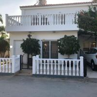 Georgimaria Luxury Sea Star Villa next to the beach
