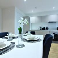 Luxury Apartment, Central Bracknell with Parking