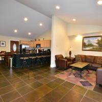 Hot Tub,Game Room,Sport Pckg! 3 miles to Conway Village!