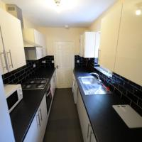 *Coventry* - 4 Bed, 3 En Suite