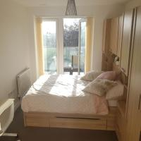 Goshawk Court En-Suite Bedroom with Balcony Access & Parking