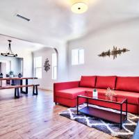 MODERN HOME CENTRALLY LOCATED TO LA ATTRACTIONS