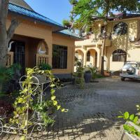 Perfect home near The Beach with free parking & WiFi