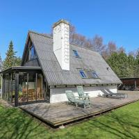Four-Bedroom Holiday home in Gilleleje 3