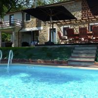 Cozy Holiday Home in Tuscany with Private Pool