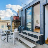 Modern 2BR Home in Trendy DALSTON w Balcony by GuestReady