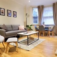 Luxury Hyde Park 2 bed & 2 bath apartment