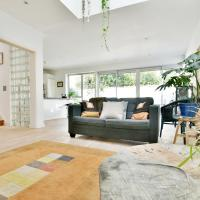 Stylish Contemporary 3 Bed Mews House in Central Bristol for 6 people